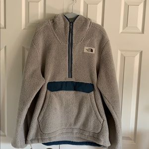 NORTH FACE quarter zip hoodie sweater.